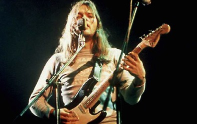David and his Black Strat 1972. The second mic (not in use) was lined to a Leslie cabinet and David would sing along with his guitar playing during Any Coliur You Like.