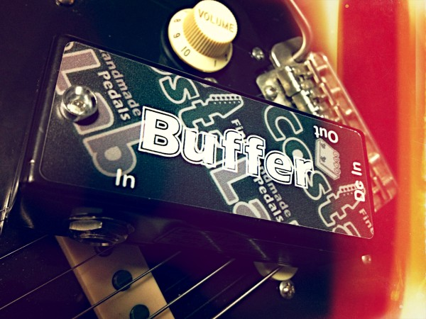 I'm using the Buffer from CostaLab for all my boards and studio setups. The buffer is placed first in the chain, between the guitar and the fist pedal for a balanced and properly loaded signal.