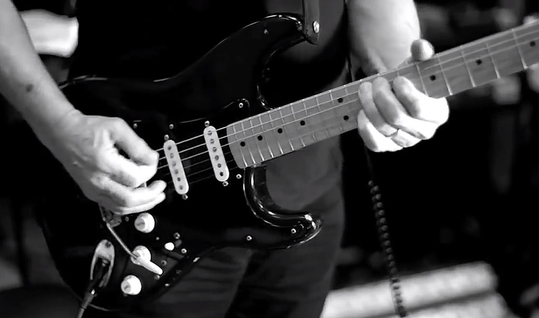 David Gilmour - Rattle That Lock Black Strat