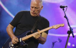 Davd Gilmour Pink Floyd selling all his guitars